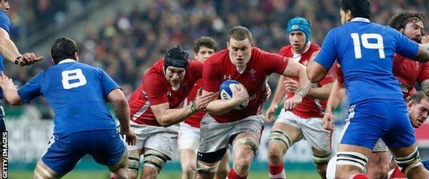Ryan Jones (left) and Ian Evans playing for Wales