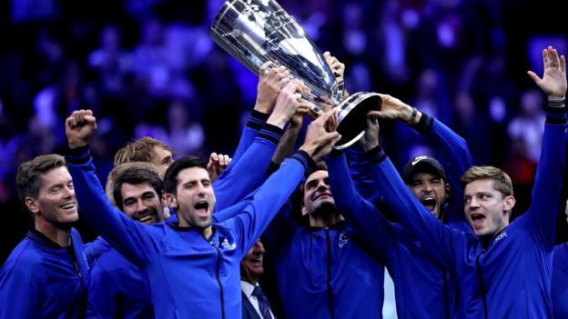 Laver Cup: Roger Federer and Alexander Zverev win as Team Europe retain title - BBC Sport