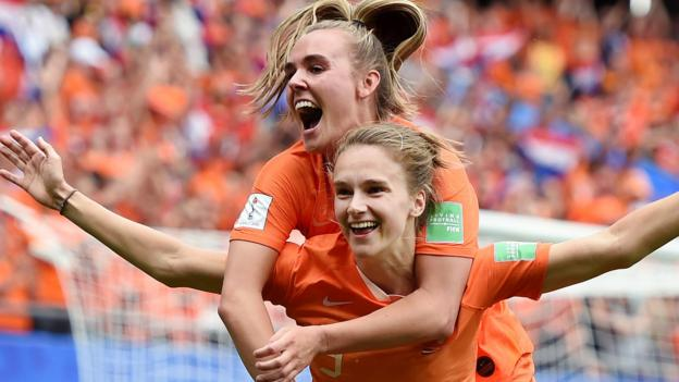 Women's World Cup: Netherlands beat Cameroon 3-1 to reach last 16 thumbnail