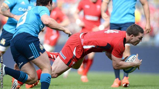 George North scores a try for Wales against Italy in the 2015 Six Nations championship