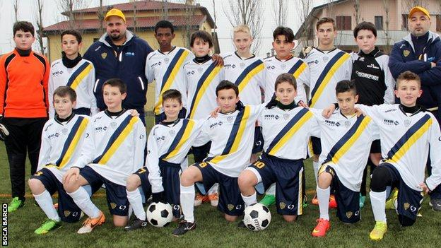 Amad Diallo in a Boca Barco team picture