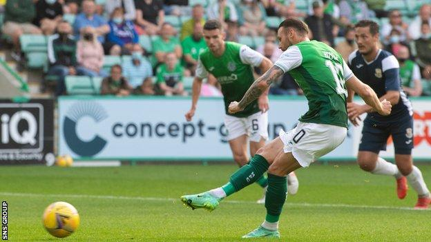 Martin Boyle tucked away an early penalty for Hibs