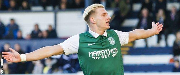 Hibs striker Jason Cummings