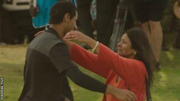 Aaron's mother greets him after winning the Kenya Open on her first trip back to the country in 47 years