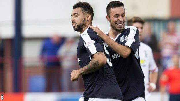 Kane Hemmings was on target late in the match for Dundee