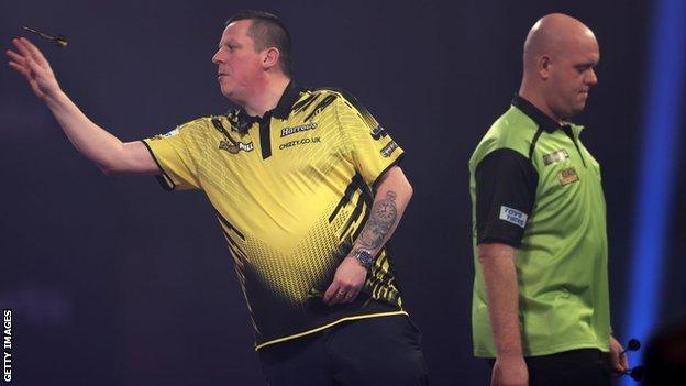 Chisnall beats Van Gerwen 5-0 to reach semi-finals thumbnail