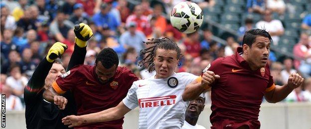 Inter and Roma players playing each other in Philadelphia in 2014