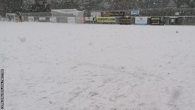 Snow causes postponement at Cefn Druids