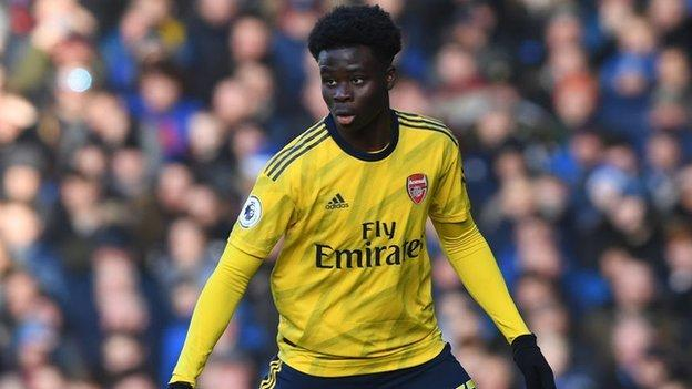Bukayo Saka: Arsenal teenager weighs up international options thumbnail