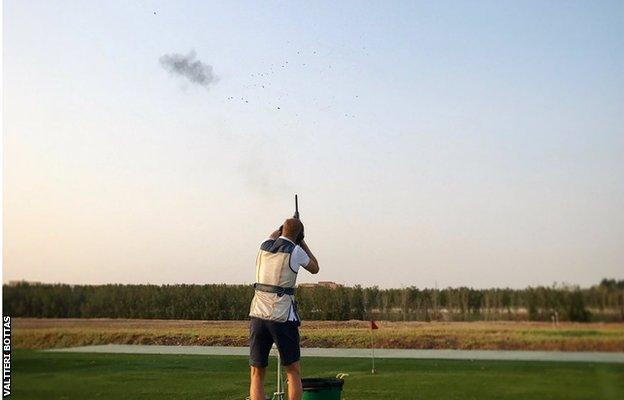 Valtteri Bottas tries skeet shooting