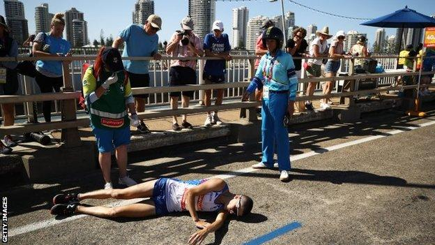 Callum Hawkins collapses in the marathon
