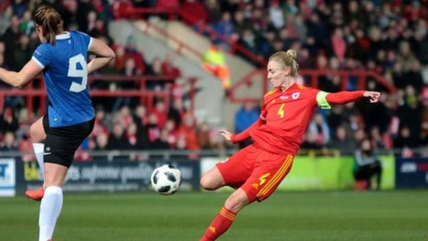 Wales in confident win over Estonia thumbnail