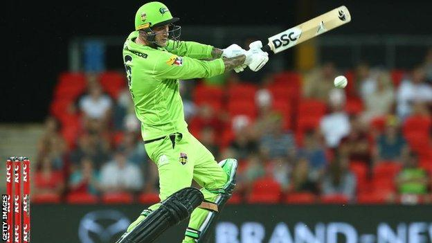 Hales stars again as Sydney Thunder go clear at top of Big Bash table thumbnail