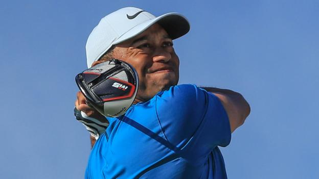 Hero World Challenge: Tiger Woods in contention as Gary Woodland leads thumbnail