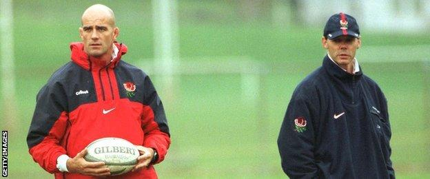 John Mitchell and Sir Clive Woodward at England training