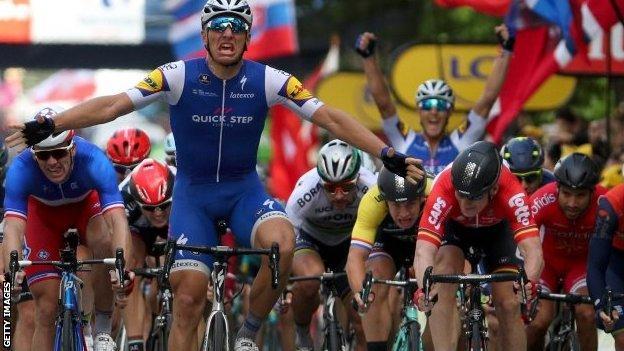Marcel Kittel wins stage two in Liege