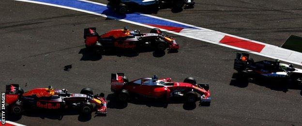 Kvyat crashes into Sebastian Vettel at the Russian grand prix