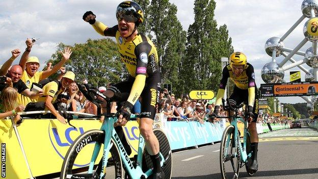 Jumbo Visma's Steven Kruijswijk celebrates at the end of stage two