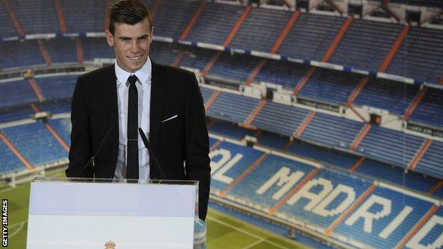 Bale signs for Madrid