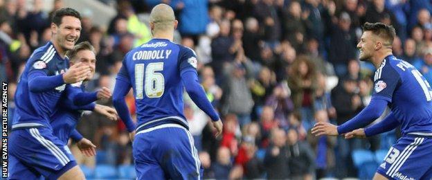 Cardiff celebrate Matt Connolly's goal against Reading