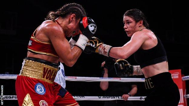 Katie Taylor fights Rose Volante