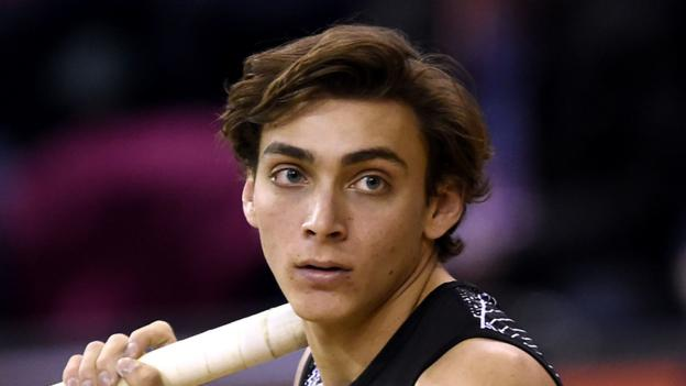Armand Duplantis: Pole vaulter sets new world record at Glasgow Indoor Grand Prix
