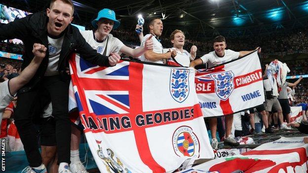 Tifosi inglesi a Wembley