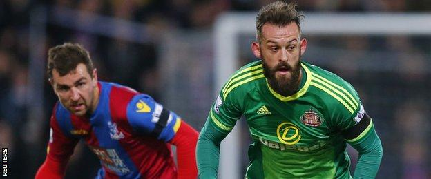 Steven Fletcher (right) in action for Sunderland