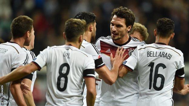 Germany defender Mats Hummels (centre)