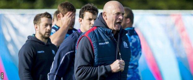 Vern Cotter at Scotland training