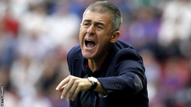 Algeria's Spanish coach Lucas Alcaraz