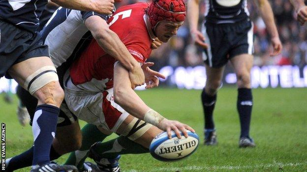 Alun Wyn Jones scored his only Six Nations try against Scotland in 2009