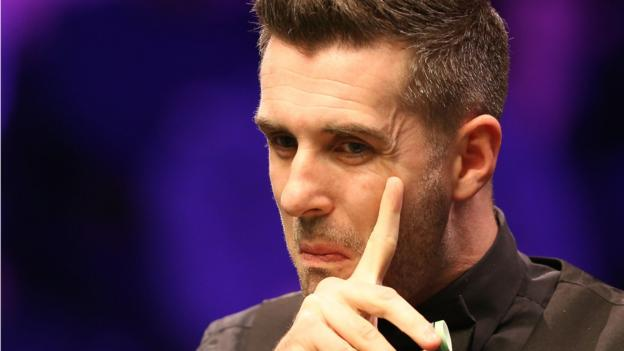 UK Championship: Mark Selby battles past Martin O'Donnell to reach last 16 thumbnail