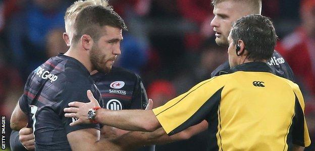 George Kruis looks on in concern as Will Fraser is told to go off for a head injury assessment against Munster in 2014