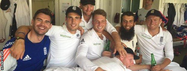 England's victorious players celebrate