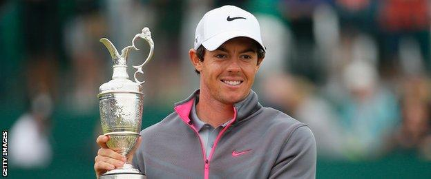 Rory McIlroy with the Claret Jug in 2014