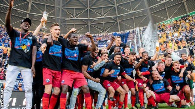 SC Paderborn celebrate securing promotion back to the Bundesliga