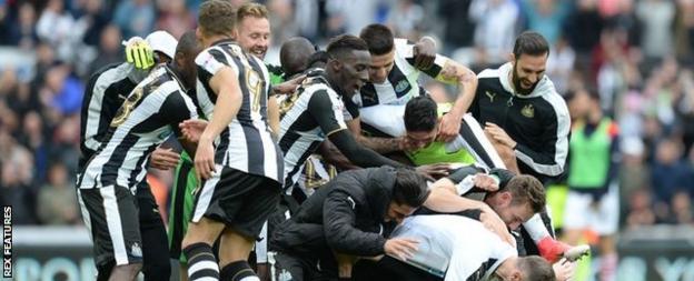 Newcastle players