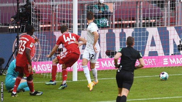 Marcus Ingvartsen scores for Union Berlin at Bayern Munich