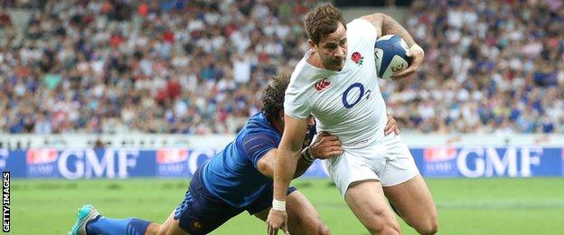 Danny Cipriani scores a try against France
