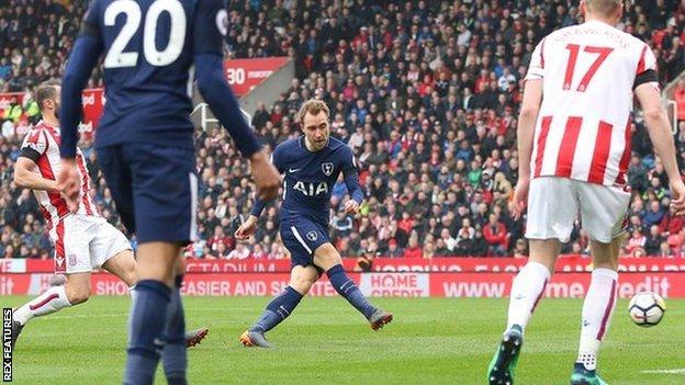 Christian Eriksen scores for Tottenham against Stoke