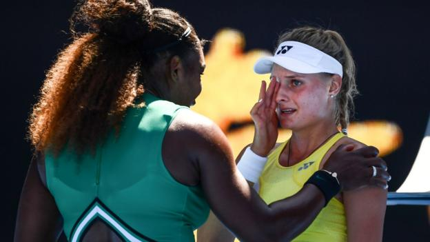 Australian Open 2019: Serena Williams comforts teenager after third-round victory thumbnail