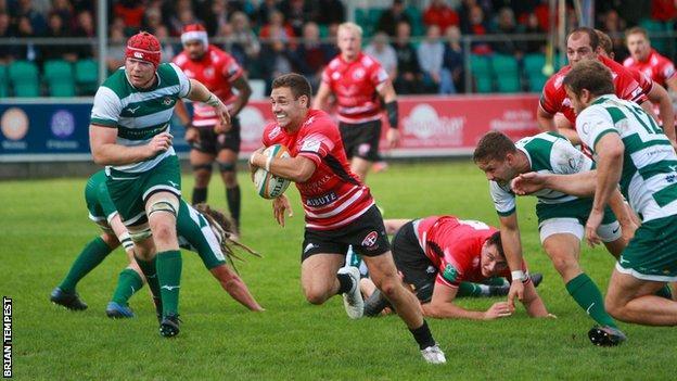 Alex Schwarz in action for Cornish Pirates against Ealing