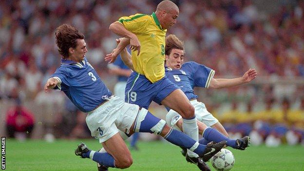 Brazilian Ronaldo playing against Italy in 1997