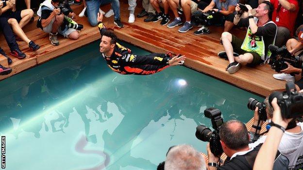 丹尼尔·里卡多(Daniel Ricciardo)和卡洛斯·塞恩斯(Carlos Sainz)