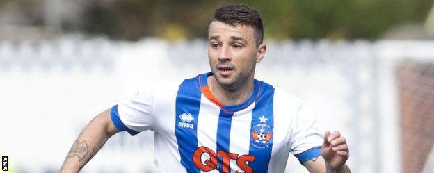 Alexei Eremenko in action for Kilmarnock