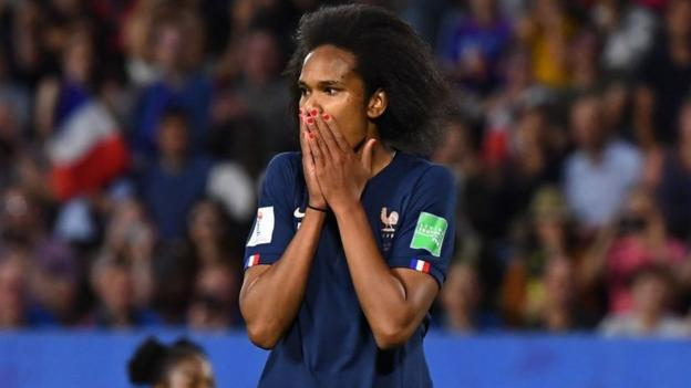 Women's World Cup: Wendie Renard's penalty - did officials get France award right? thumbnail