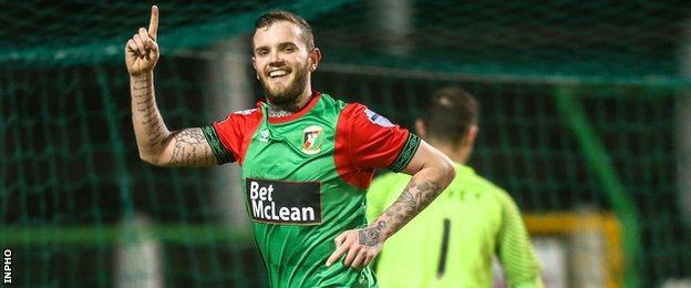 Darren Murray celebrates scoring past Jonny Tuffey