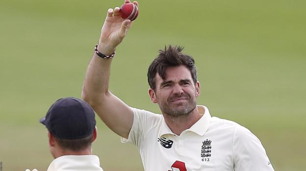 Anderson reaches 600 Test wickets