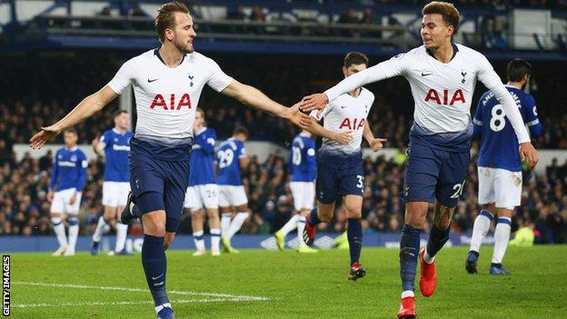 Harry Kane and Dele Alli celebrate after Tottenham score against Everton